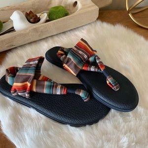 New- Sanuk yoga sling sandals